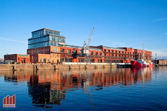 media docks - business & conference center